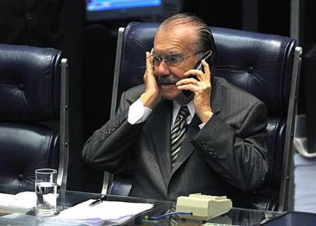 Sarney tem funcionários pagos pelo Senado na sua fundação em São Luís (MA)